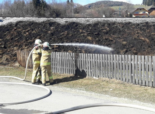 Flächenbrand im Bereich Gewerbegebiet St. Andrä